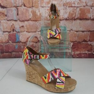 Toms Wedge Sandals Icat Size 8